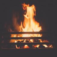 Jak prawidłowo czyścić i konserwować kominek?
